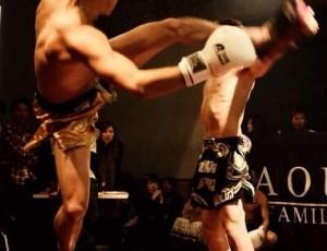 RAOU JAPANキックボクシングジムのイケメン会員まさし25才ボクシング経験1年vs修代表の魔の左腕スパーリング対決4分1本勝負!